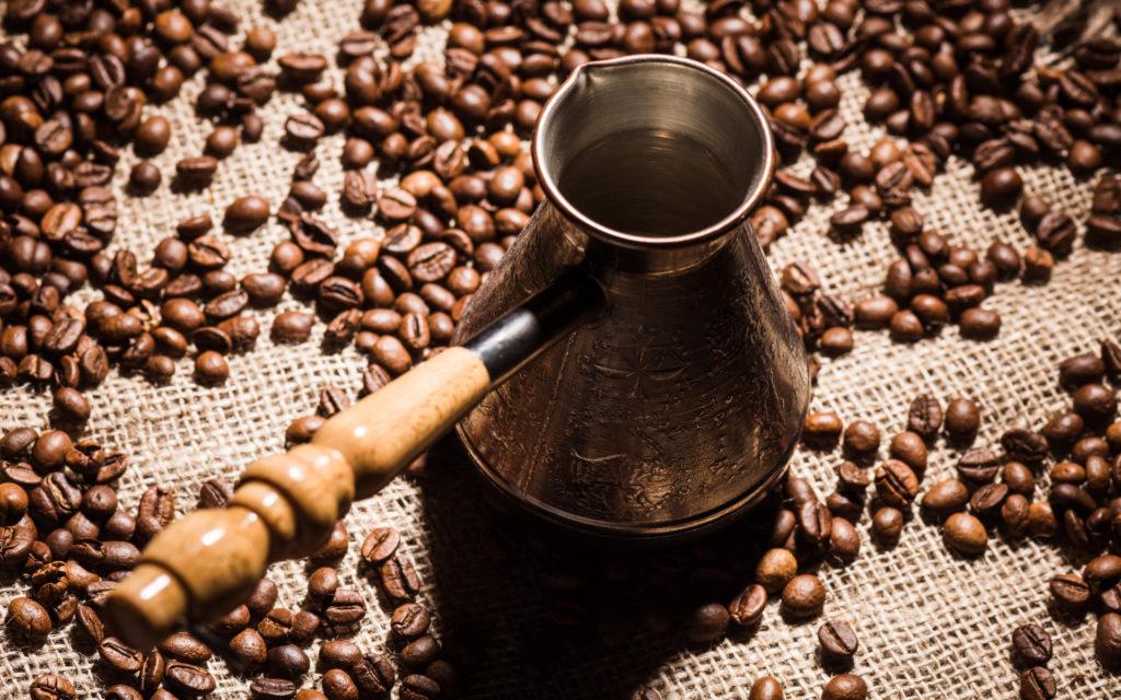 Cezve Ibrik Briki - Mokkakanne zur Zubereitung türkischen Mokkas - Kupferkanne - kaffeegenie.de