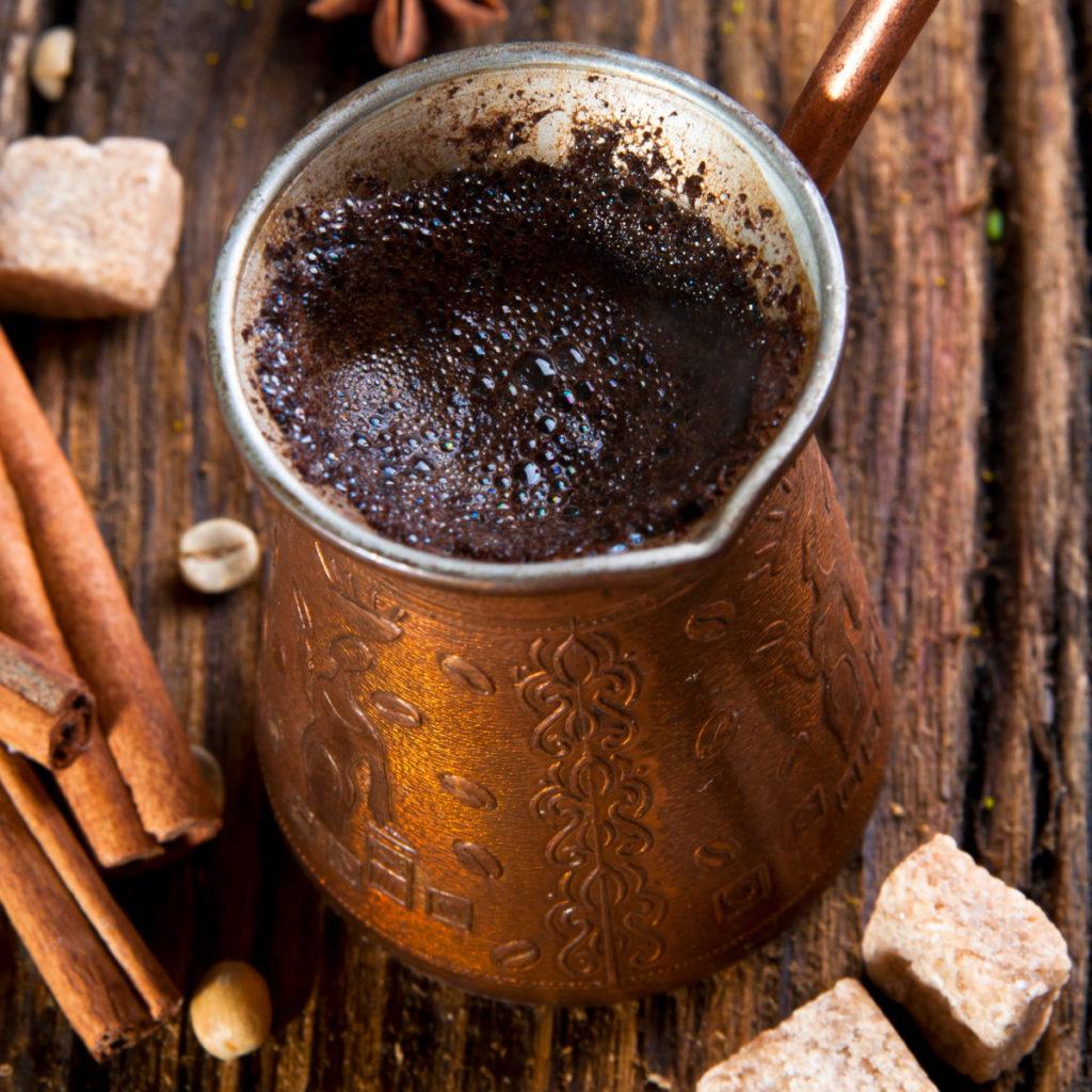 Mokka in der Cezve Ibrik Briki - kaffeegenie.de