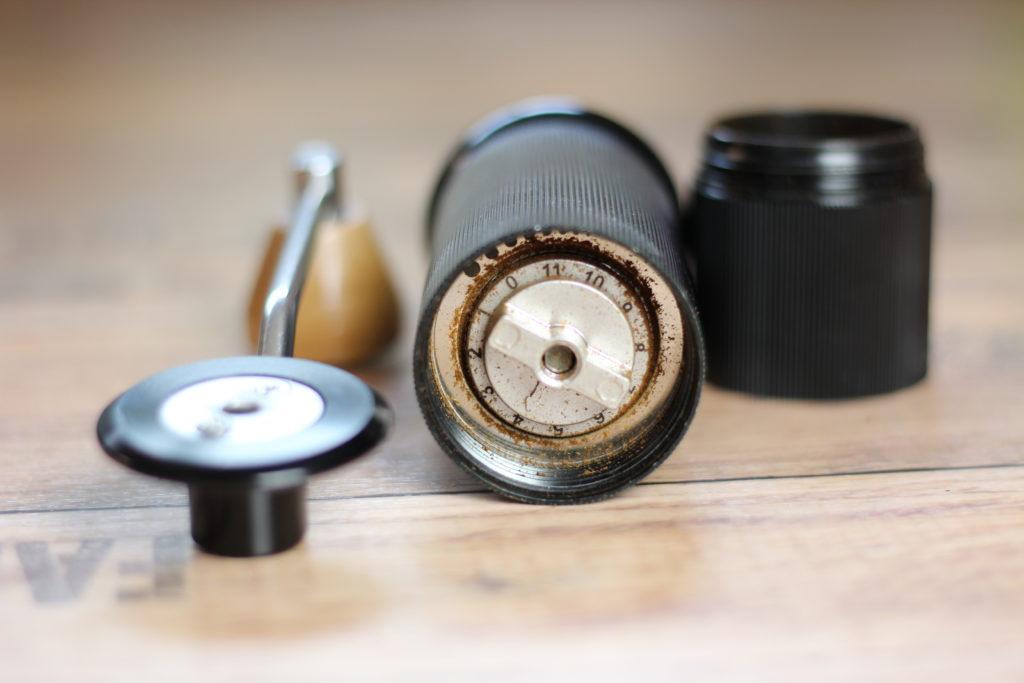 Xeoleo Handmühle - Kaffeemühle - getestet - Erfahrungsbericht - Test - Kaffeebohnen Handkurbel